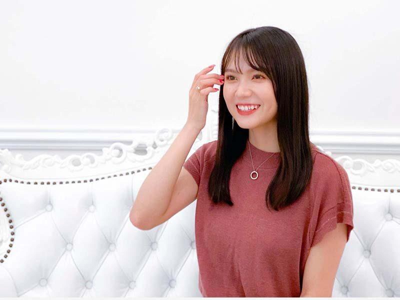 YouTubeを見て、歯が白くてとてもキレイだなと思ったのですが、何か特別なケア(ホワイトニング、矯正など)はされていますか?